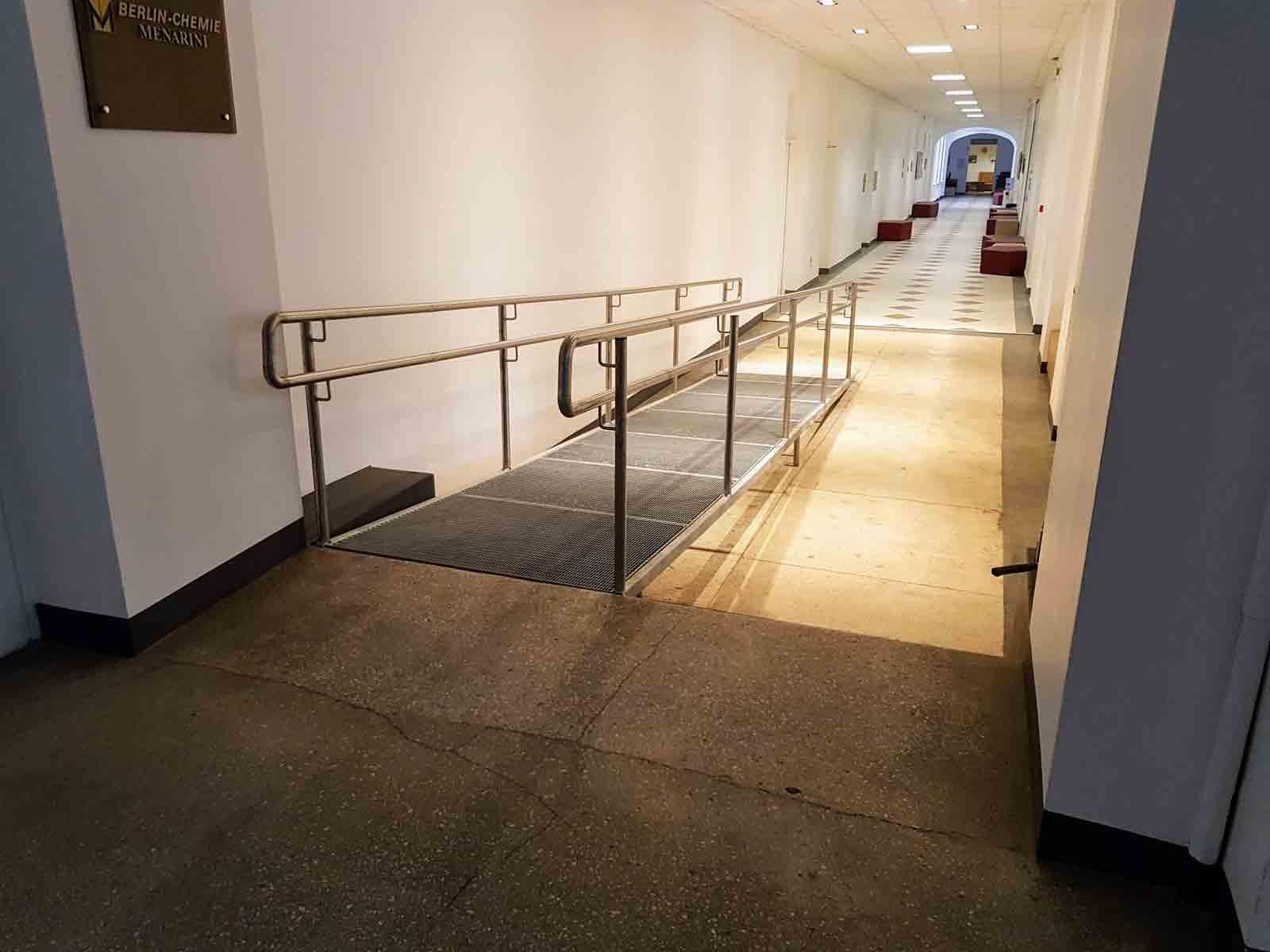 Pandusas neįgaliesiems Vilniaus Universitete